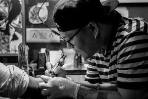 La historia de las máquinas de tatuaje 1